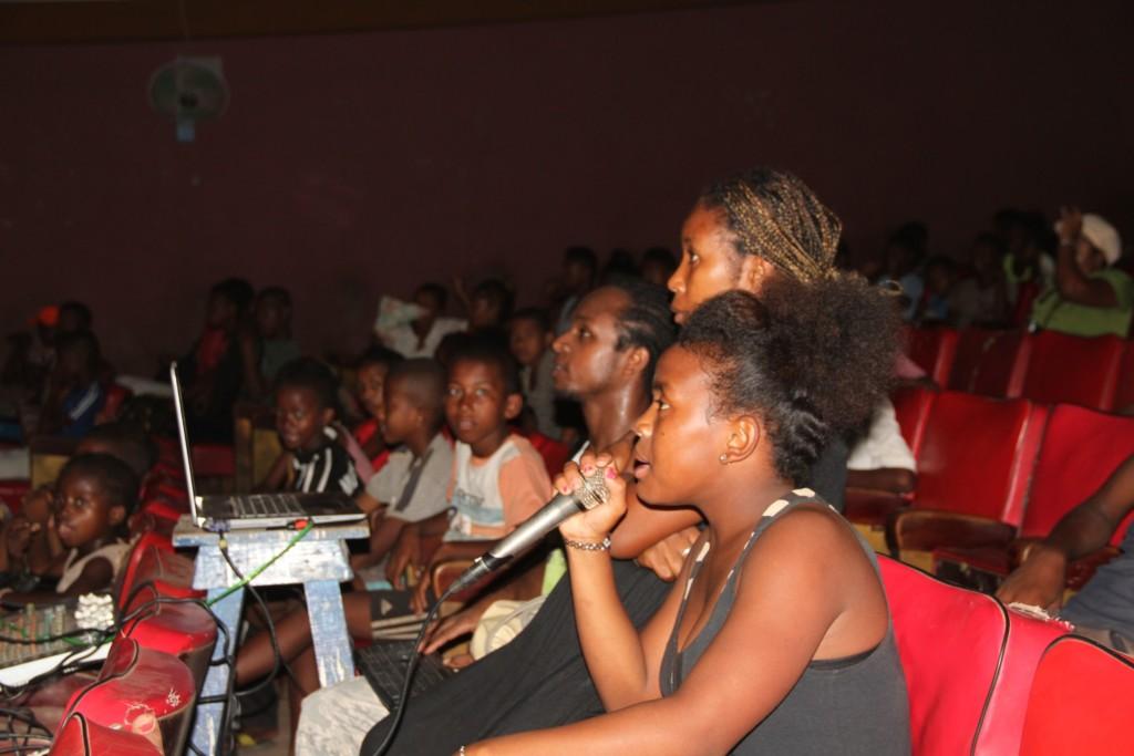 La Malagasy Gospel partage son carnet de voyage « Milvoces » en Espagne avec les bénéficiaires  de l'ONG Bel Avenir