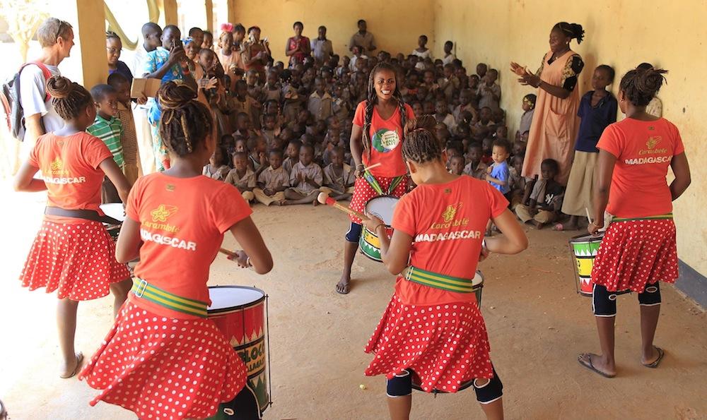 Bloco Malagasy et Dispensaire Trottoir, ensemble pour l'éducation pour tous!