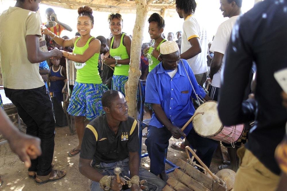 A Boromo, nous rencontrons les artistes locaux