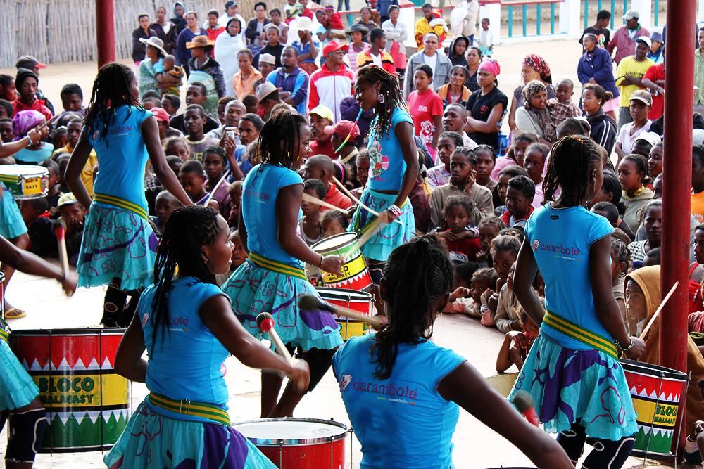 La Bloco Malagasy met le cap sur l'Afrique de l'Ouest avec ses « Tambours pour une éducation pour tous »