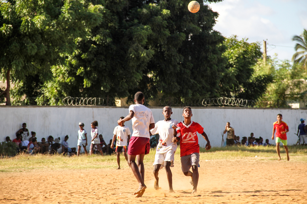 Un super match de foot ball à l'école des sports
