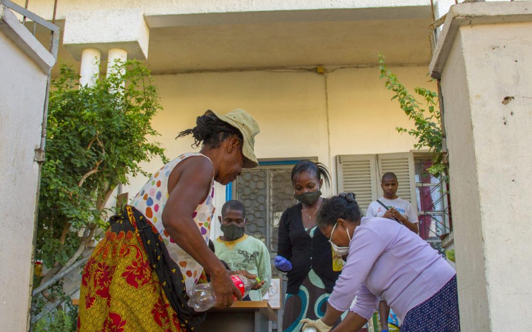 Distribution de kit d'urgence pour les plus démunis de Tulear.