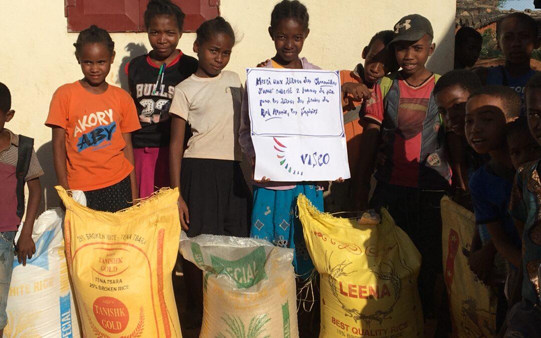 Donation de 2,6 tonnes de riz à l'Ecole des Saphirs dans le sud de Madagascar